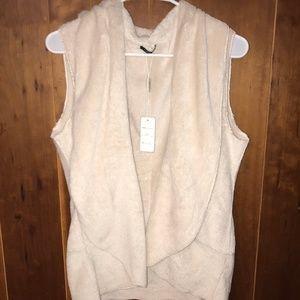 Soft cream vest for the winter!